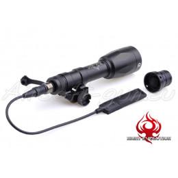 Night évolution lampe tactique M600P de couleur noir